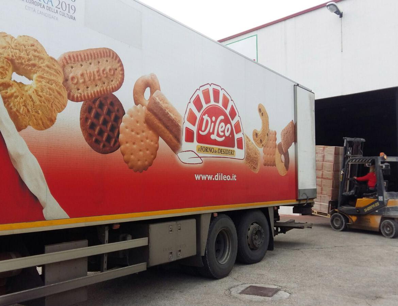 Consegna biscotti di Leo a Valdaso